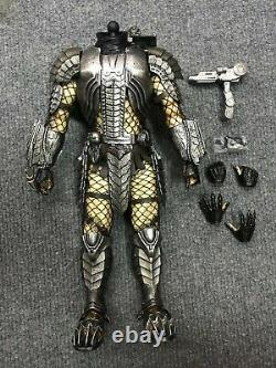 1/6 Hot Toys MMS190 Alien vs Predator Scar Predators Body Armor Action Figure
