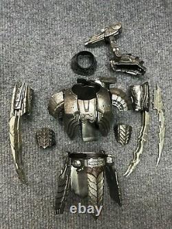1/6 Hot Toys MMS221 Alien vs. Predator Predators Celtic Armor for Action Figure