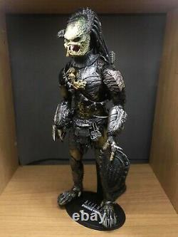 1/6 Hot Toys MMS66 Alien Predator AVP Wolf Predator Cleaner Kit Version Figure