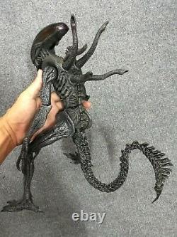 1/6 Rare Hot Toys MMS29 AVP Alien vs Predator Alien Warrior Action Figure
