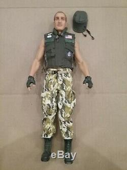 1/6th Scale Hot Toys Aliens USCM Private Mark Drake 12 figure MMS 24 Full Body