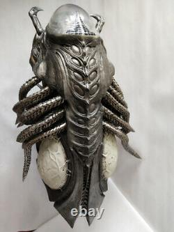 11 Size Alien vs. Predator Predalien Bust Statue In Stock Model Collectible