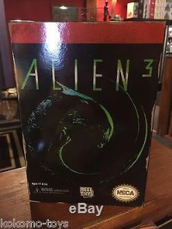 2015 NECA BLUE Dog Aliens 3 8-BIT Retro Video Game 7 Inch Movie AVP Figure MIB