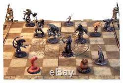 ALIEN VS PREDATOR AVP Chess Set Limited Edition of 5000 SOTA Toys Brand New
