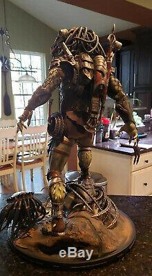 AVP Alien vs Predators Wolf Predator Legendary Scale statue 31 NIB Nt Sideshow