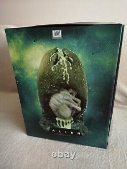 Alien 6 Film Collection (Not SteelBook) Blu-ray, Alien Egg Statue Figure READ