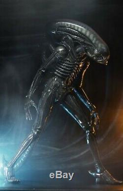 Alien Big Chap 1/4 Scale Figure Limited Edition Neca