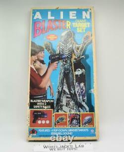 Alien Blaster Giant Target Set WITH GUN! 32 Inches 1979 Vintage HG Toys