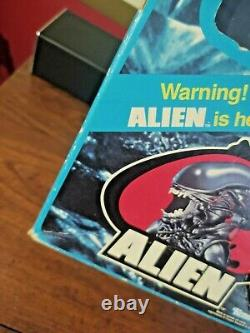 Alien Poseable 18 Xenomorph Vintage Action Figure BOX & POSTER Kenner 1979