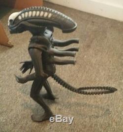 Alien Vintage Xenomorph Jumbo Action Figure 24