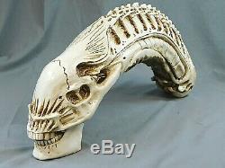 Alien Xenomorph 18 Resin Skull Avp Predator Movie Trophy Statue