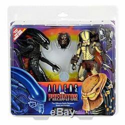 Alien vs. Predator 7 Inch Action Figure 2 Pack with Mini Comic