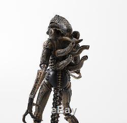 Aliens AVP 8in. Action figure Alien Xenomorph warrior the brown ver. Boxed