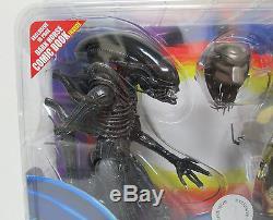 Aliens Vs. Predator NECA Action Figure 2-Pack Set Toys R Us Exclusive