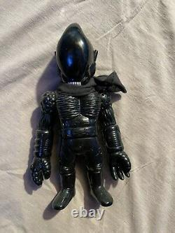 Aliman Real X Head RxH Sofubi Alien