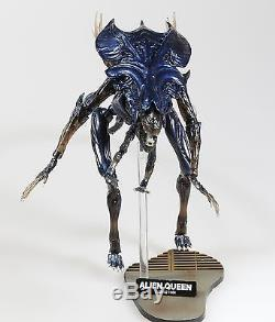 Classical movie Aliens 1986 Alien Queen Revoltech action figure Toy NEW IN BOX