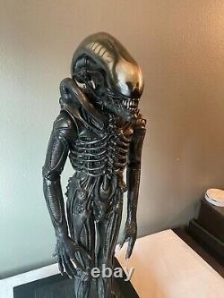 CoolProps Sideshow Giger's ALIEN 1/3 Scale Maquette with Display Case & COA
