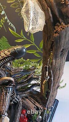 Custom AVP CAMPING Lamp Neca Alien Predator Arnold Dutch Diorama Face Hugger