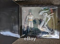 DC Batman VS Aliens Exclusive NECA Action Figure Set Great Condition! Joker