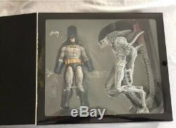 DC Batman VS Joker Aliens NYCC Exclusive NECA Action Figure Set IN HAND