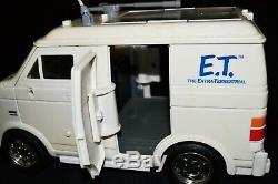 ET Extra-Terrestrial Interactive Van & Talking E. T Figure Universal Studios 2001