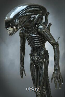 HCG 11 Scale Alien Big Chap Life Size Statue Hollywood Collectibles PRE-ORDER
