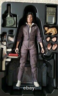 Hot Toys 1/6 Ellen Ripley MMS266 Alien