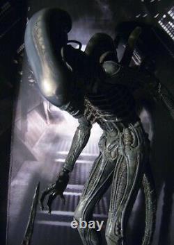 Hot Toys Alien MMS106 Big Chap Alien