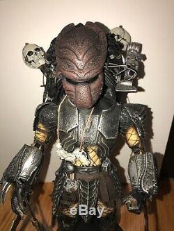 Hot Toys Alien VS Predator Chopper Predator Action Figure Preowned