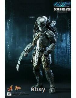 Hot Toys Alien VS Predator Scar Predator Action Figure