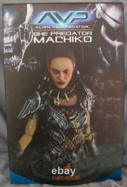 Hot Toys Alien Vs She Predator Machiko Hot Angel 12 Figure MMS74 Authentic New