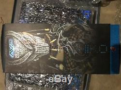 Hot Toys Alien vs Predator Movie Masterpiece Machiko She Predator 2008 Edition