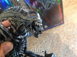 Hot Toys Aliens Alien Warrior MMS38 1/6 Scale Figure Used Condition USA Seller