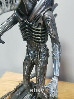 Hot Toys Aliens Alien Warrior Movie Masterpiece No Box