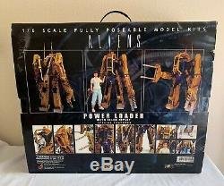 Hot Toys Aliens Power Loader & Ellen Ripley MMS39 1/6 Scale Figure Model Kit