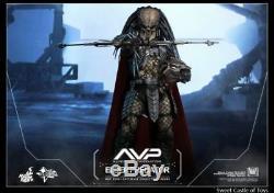 Hot Toys MMS 325 Alien VS. Predator AVP Elder Predators