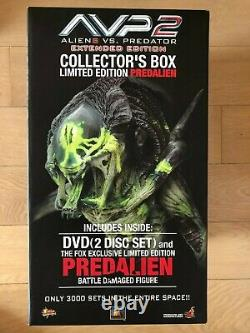 Hot Toys MMS 74 Alien vs. Predator AVP-R Predalien (Battle Damaged Version) NEW