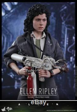 Hot Toys MMS366 Alien Ellen Ripley 1/6 action figure in stock