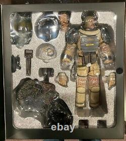 Hot Toys MMS64 Executive Officer Kane 1/6 ALIEN 1979 NEW SEALED MISB