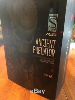 Hot toys ancient predator 2.0 Alien Vs Predator As-is Read Description