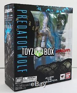 In STOCK S. H. Monster Arts Predator Wolf (Alien Vs Predator) Action Figure