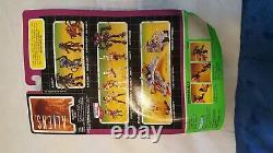 Kenner Aliens vs. Predator Figure lot of 7 deluxe queen scorpion micromachines