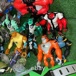 Lot Of 25 2006 Bandai Ben 10 Alien Action figure Toys Omnitrix Fourarms XLR8