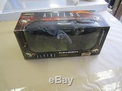 MOVIE MANIACS Series 6 Aliens ALIEN QUEEN deluxe figure set SEALED McFarlane avp