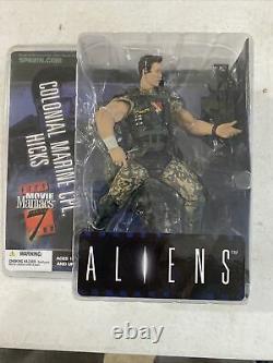 McFarlane Movie Maniacs SERIES 7 Texas Chainsaw Massacre, Robocop, Aliens