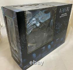 NECA 1st ALIEN QUEEN Ultra Deluxe Classic XENOMORPH Collectible Action Figure