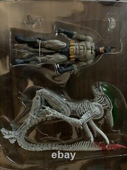 NECA 2019 Batman VS Alien Exclusive 2pack, Used/complete