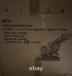 NECA Alien Foam Prop Replica SPACE JOCKEY #169/425 Fits 7-Inch Scale Figures