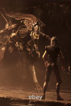 NECA Alien Queen Ultra Deluxe Aliens Action Figure Xenomorph 16 Inch Official