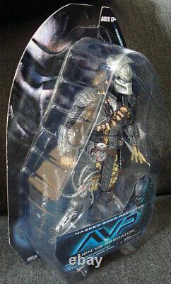 NECA Alien vs Predator AVP Masked Scar Predator Action Figure NEW